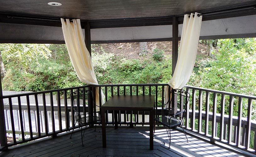Bella Paradiso Condominiums Gazebo Inside Slider